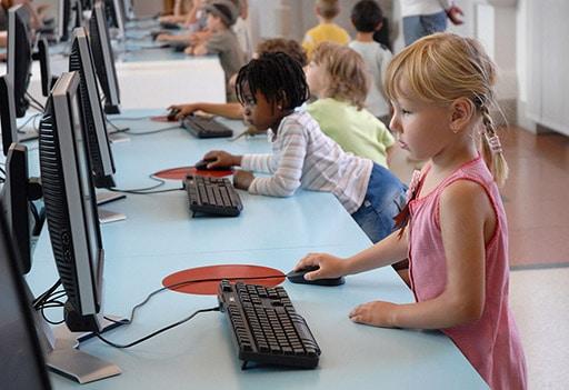 امنیت اینترنت برای کودک – نکاتی که والدین باید توجه کنند